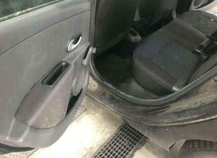 Interieur reiniging Clio voor dieptereiniging