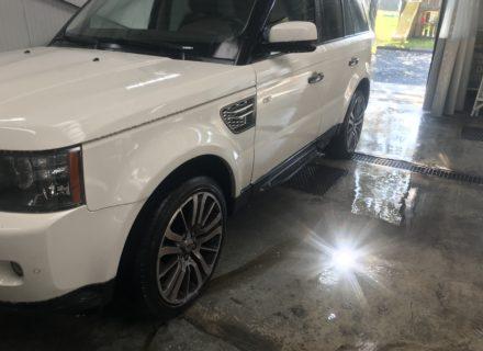 Detail reiniging Range Rover voor