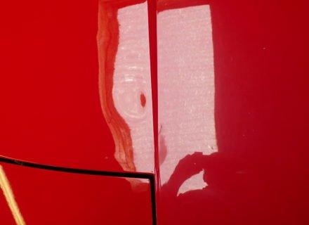 uitdeuken zonder spuiten hagelschade Ferrari